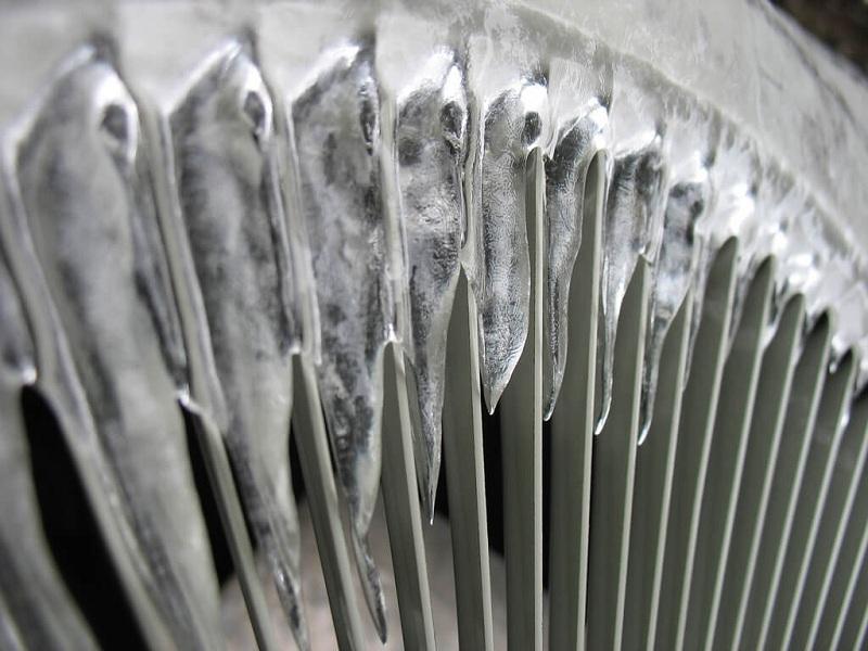 heat pump vs furnace in winter